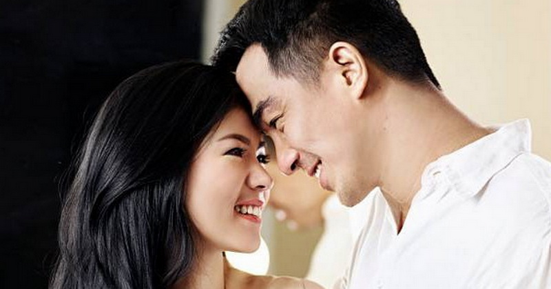 https: img.okezone.com content 2020 09 12 33 2276628 romantisnya-joe-taslim-rayakan-15-tahun-pernikahan-emKUPsC7UB.jpg