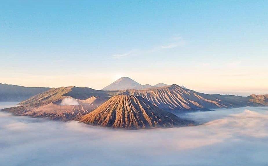 https: img.okezone.com content 2020 09 13 620 2277016 reaktivasi-tahap-ii-kuota-wisatawan-ke-gunung-bromo-naik-40-persen-EPjvOFmew6.JPG