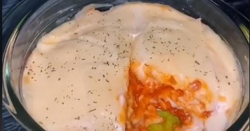 https: img.okezone.com content 2020 09 14 298 2277316 cara-mudah-bikin-lasagna-roti-tawar-dengan-saus-spaghetti-DuOiPmQWMA.jpg