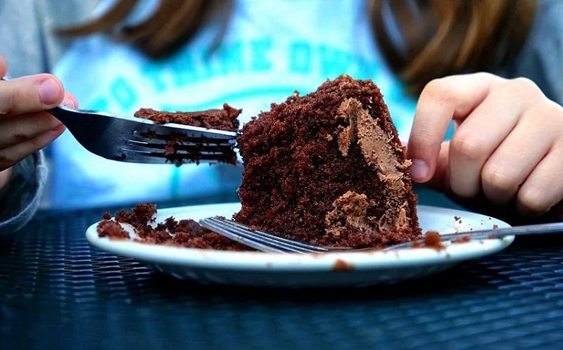 https: img.okezone.com content 2020 09 14 298 2277507 4-keuntungan-mengurangi-konsumsi-makanan-manis-KWCUOJqHA6.jpg
