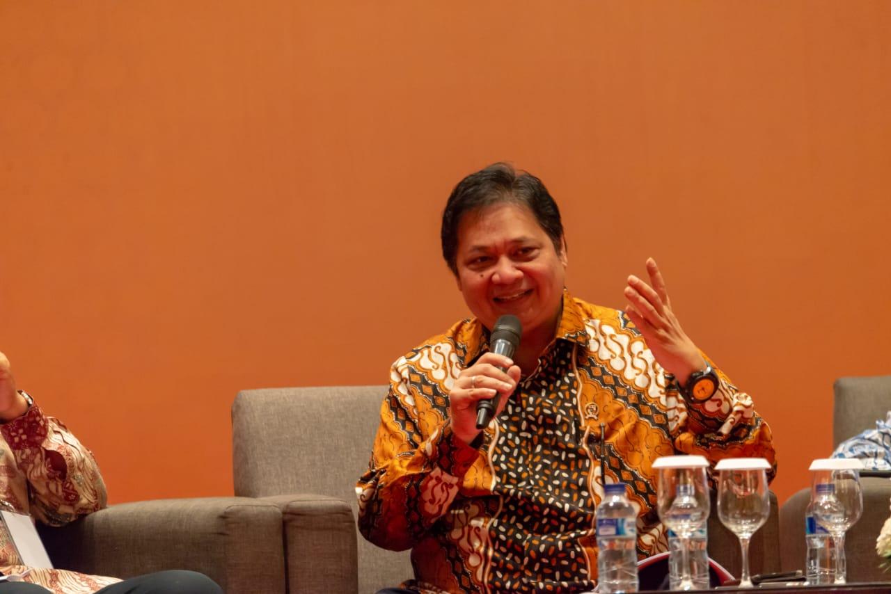 https: img.okezone.com content 2020 09 14 320 2277267 59-negara-lockdown-indonesia-airlangga-perjalanan-bisnis-masih-bisa-6lP0EarCjJ.jpeg