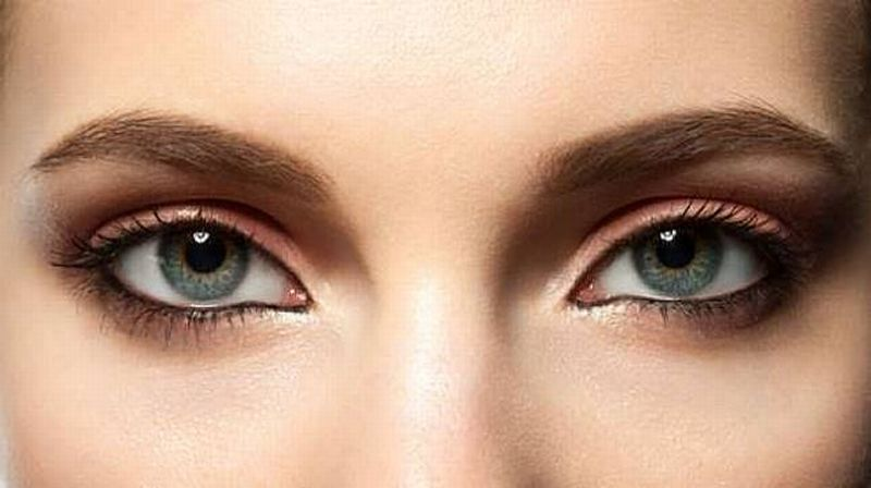 https: img.okezone.com content 2020 09 14 611 2277620 wajah-tertutup-masker-eyebrow-eyeliner-dan-maskara-tetap-wajib-dipkai-SUSFmrX0z9.jpg