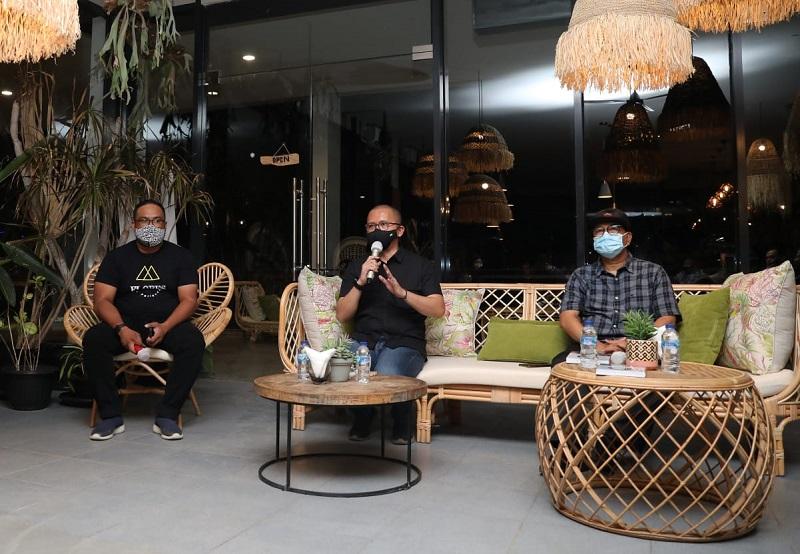 https: img.okezone.com content 2020 09 15 11 2278205 bertemu-komunitas-kreatif-muda-labuan-bajo-kemenkopukm-dorong-potensi-umkm-lokal-sWfNE8or4W.jpeg