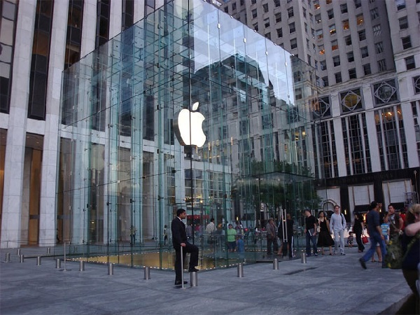 https: img.okezone.com content 2020 09 15 16 2278378 apple-tingkatkan-jumlah-pabrik-iphone-di-india-dtnLfLSXTz.jpg