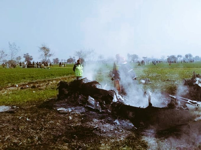 https: img.okezone.com content 2020 09 15 18 2278156 pesawat-tempur-angkatan-udara-pakistan-jatuh-di-punjab-2Nkv9nljxa.jpg