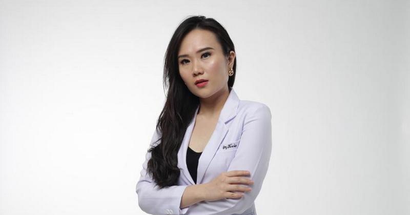 https: img.okezone.com content 2020 09 15 33 2278183 lulusan-masterchef-indonesia-olivia-ingin-berikan-edukasi-mulut-pada-masyarakat-mIGwAhtbUF.jpg