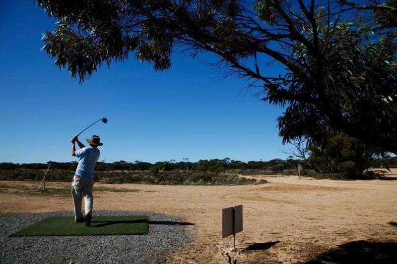 https: img.okezone.com content 2020 09 15 408 2277857 inilah-lapangan-golf-terpanjang-di-dunia-sanggup-main-di-sana-h7YLjeErSa.jpg