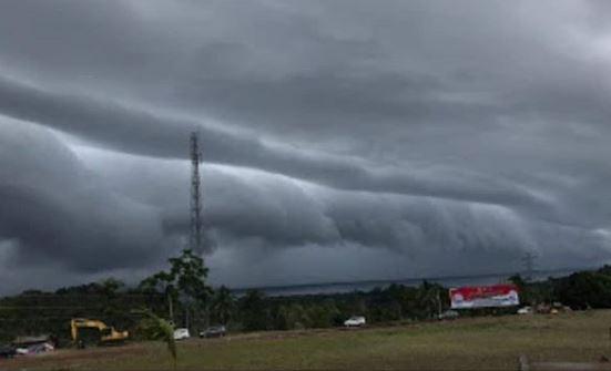 https: img.okezone.com content 2020 09 16 16 2278893 sains-buktikan-awan-mirip-tsunami-tertulis-dalam-alquran-QUgzdfuNvu.jpg