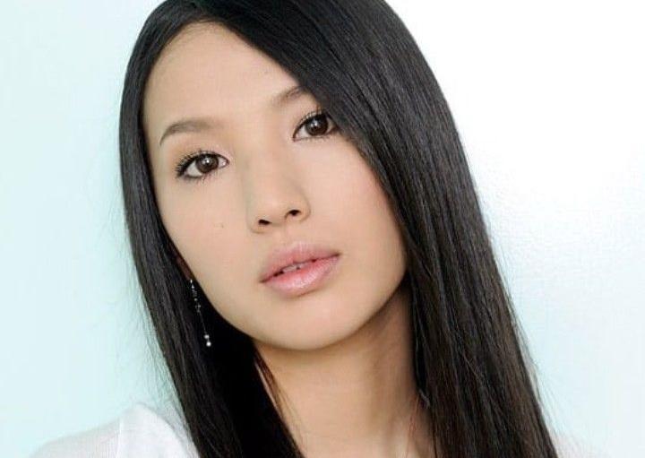 https: img.okezone.com content 2020 09 16 33 2278475 aktris-jepang-sei-ashina-meninggal-dunia-diduga-karena-bunuh-diri-SRfODFE2ty.jpg
