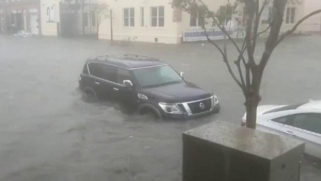 https: img.okezone.com content 2020 09 17 18 2279172 dihantam-badai-sally-setengah-juta-penduduk-as-kehilangan-aliran-listrik-oF77Aa3K0T.jpg