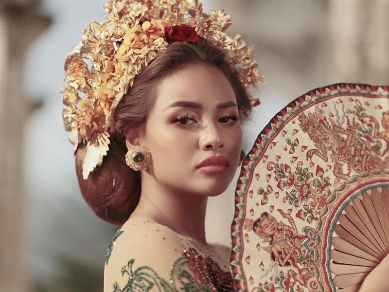 https: img.okezone.com content 2020 09 17 194 2279386 pesona-aurel-hermansyah-jadi-gadis-bali-cantik-tak-terkira-5Zf9Nz2v6c.jpg