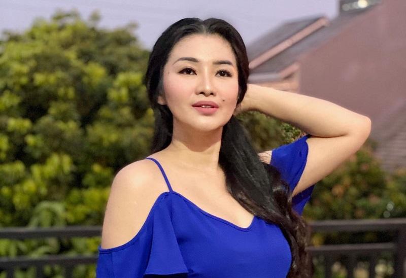 https: img.okezone.com content 2020 09 17 33 2279639 hikmah-psbb-fitri-carlina-dan-suami-makin-romantis-g7b1zJbRl4.jpg