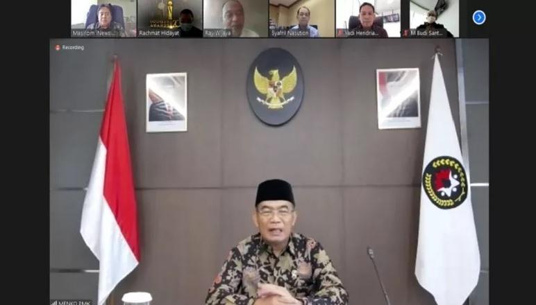 https: img.okezone.com content 2020 09 17 337 2279158 inews-gelar-indonesia-awards-2020-menko-pmk-muhadjir-effendy-didapuk-sebagai-juri-s1RKbsq9Gj.jpg
