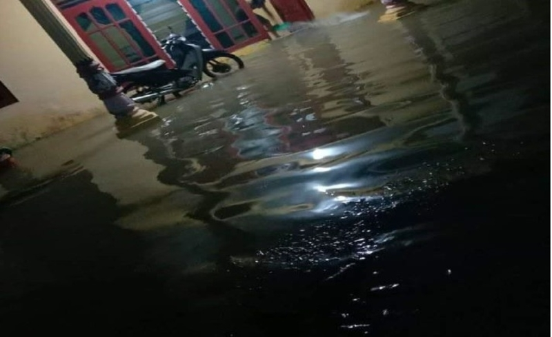 https: img.okezone.com content 2020 09 17 340 2279127 banjir-longsor-tewaskan-2-warga-di-sorong-waspada-hujan-lebat-zWymfZSA84.jpg