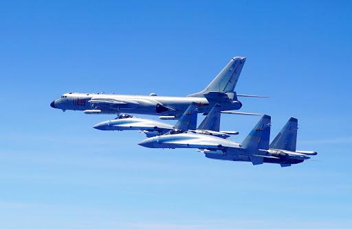 https: img.okezone.com content 2020 09 18 18 2280146 18-pesawat-china-satroni-langit-taiwan-di-tengah-kunjungan-wamenlu-as-qXT1YuRHDG.jpg
