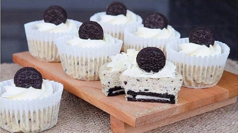 https: img.okezone.com content 2020 09 18 298 2279786 butuh-camilan-saat-wfh-bikin-oreo-cheese-cupcakes-yuk-mZYHO0DuZj.jpg