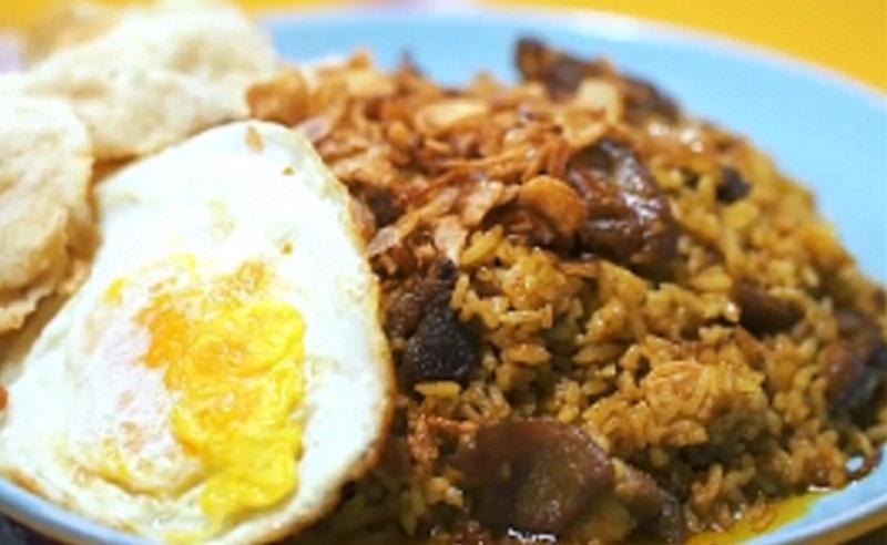 https: img.okezone.com content 2020 09 18 298 2279889 kangen-nasi-goreng-kambing-kebon-sirih-coba-masak-sendiri-yuk-p0ip3nCCIy.jpg