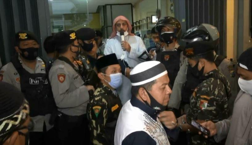 https: img.okezone.com content 2020 09 18 337 2280035 syekh-ali-jaber-saya-siap-mati-di-indonesia-TjCEAXck5u.jpg