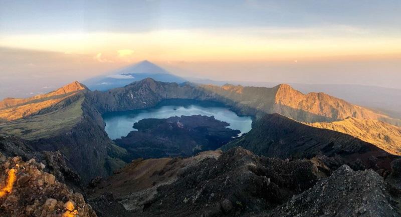 5 Gunung Berapi Tertinggi Di Asia Dua Di Antaranya Ada Di Indonesia Okezone Travel