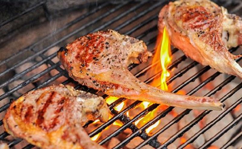 https: img.okezone.com content 2020 09 20 298 2280807 4-cara-bikin-daging-kambing-empuk-dan-lezat-DiAmFfcd0j.jpg