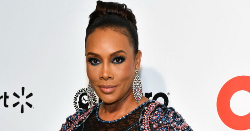 https: img.okezone.com content 2020 09 21 33 2281043 positif-covid-19-vivica-a-fox-gagal-jadi-host-red-carpet-emmy-awards-2oXxWY8dpR.jpg