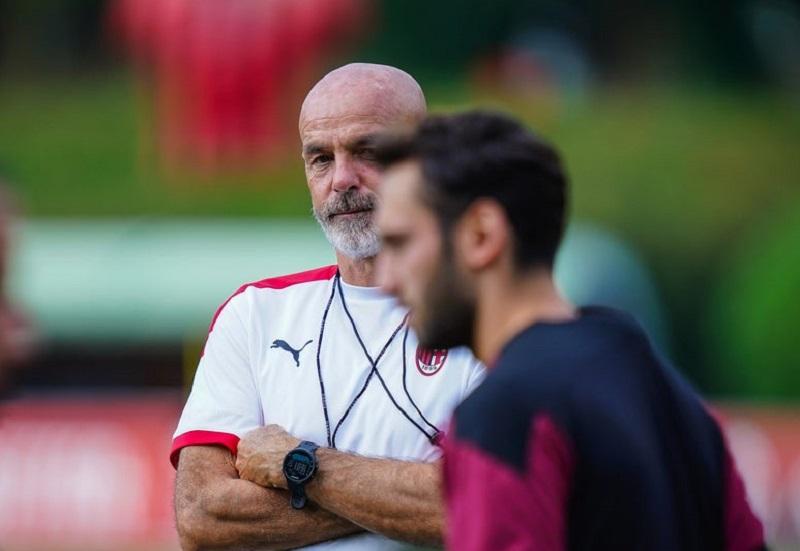 https: img.okezone.com content 2020 09 21 47 2281285 ac-milan-dijagokan-juara-liga-italia-pioli-kami-harus-ambisius-fdIUoi8sHT.jpg