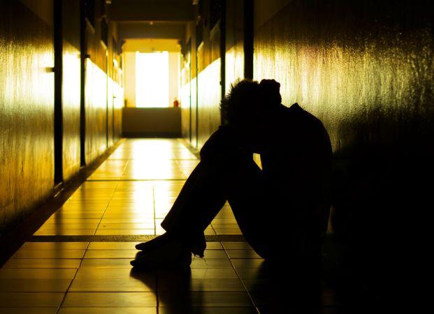 https: img.okezone.com content 2020 09 22 338 2282103 diduga-gangguan-jiwa-wanita-tanpa-busana-rusak-pintu-masjid-di-gdc-depok-JFnNGt7Pm8.jpg