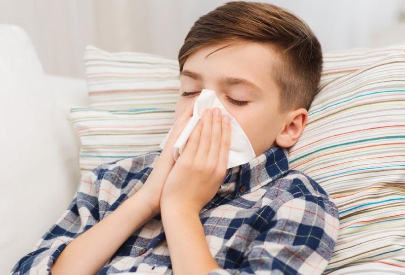 https: img.okezone.com content 2020 09 22 481 2281895 tips-agar-tubuh-tidak-terkena-flu-saat-musim-hujan-Jpk1ufkBNt.jpg