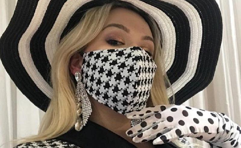 https: img.okezone.com content 2020 09 22 611 2281726 pakai-masker-begini-trik-makeup-saat-pandemi-covid-19-eNoWNqR4Sn.jpg