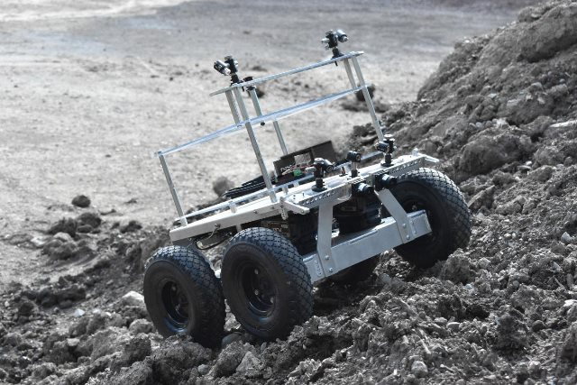 https: img.okezone.com content 2020 09 24 16 2283060 cari-air-di-kutub-selatan-bulan-nasa-kerahkan-robot-moonranger-G4U2TH8K4f.jpg