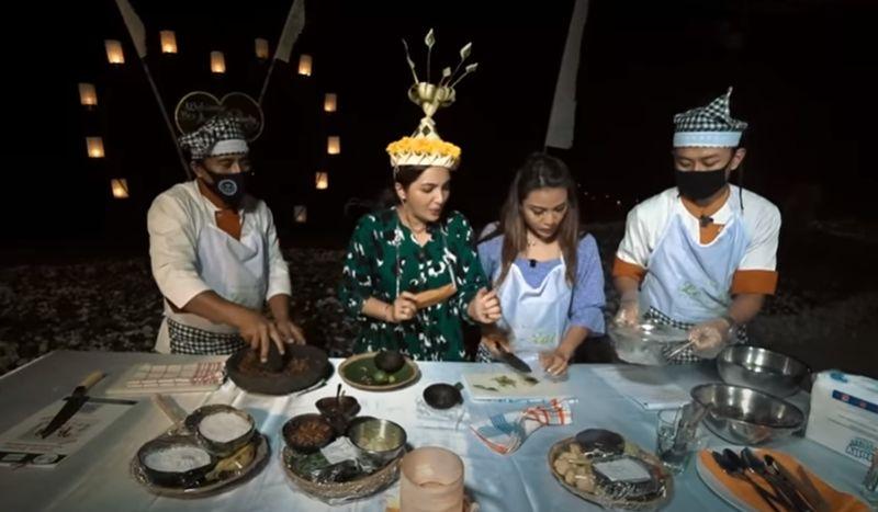 https: img.okezone.com content 2020 09 24 301 2282855 liburan-ke-bali-ashanty-dan-aurel-jajal-masak-sate-gurita-GXnye7ALkg.jpg
