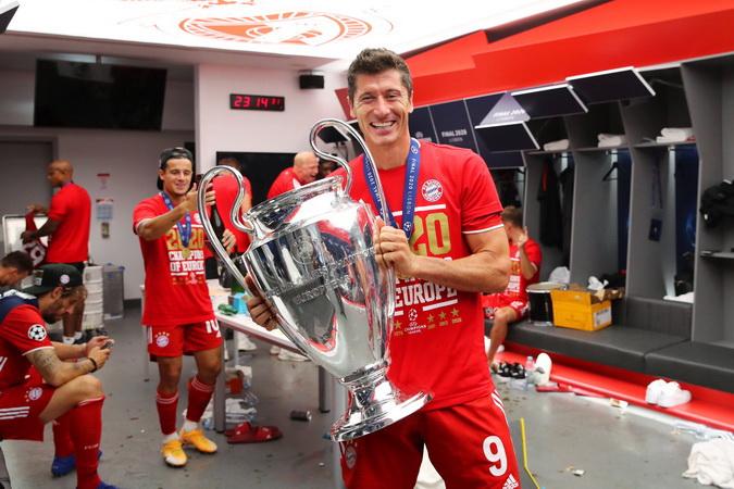 https: img.okezone.com content 2020 09 24 51 2282853 5-calon-pemain-terbaik-fifa-2020-per-september-tak-ada-nama-ronaldo-dan-messi-0ZthH8wbdo.jpg