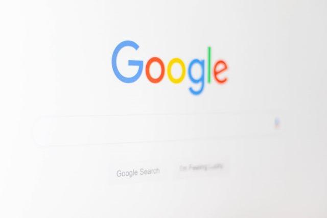 https: img.okezone.com content 2020 09 25 16 2283516 google-meet-dan-classroom-sempat-down-ini-respons-netizen-aGgrSuO16A.jpg