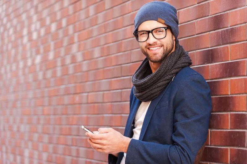 https: img.okezone.com content 2020 09 25 194 2283923 perjalanan-tren-fashion-pria-dari-celana-kodok-hingga-air-jordan-riiBuaxS06.jpg