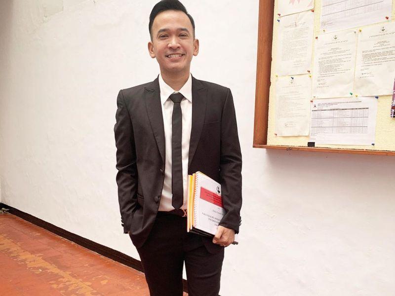 https: img.okezone.com content 2020 09 25 598 2283986 ruben-onsu-raih-penghargaan-pertama-di-indonesian-television-awards-2020-gqJV7pB5JX.jpg