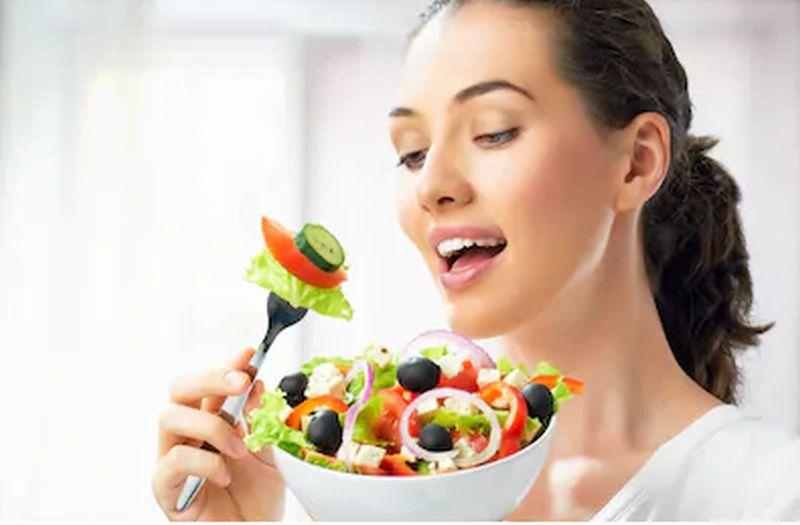 https: img.okezone.com content 2020 09 26 481 2284316 5-makanan-sehat-untuk-jaga-imunitas-saat-psbb-konsumsi-yuk-VF0yggS2kb.jpg