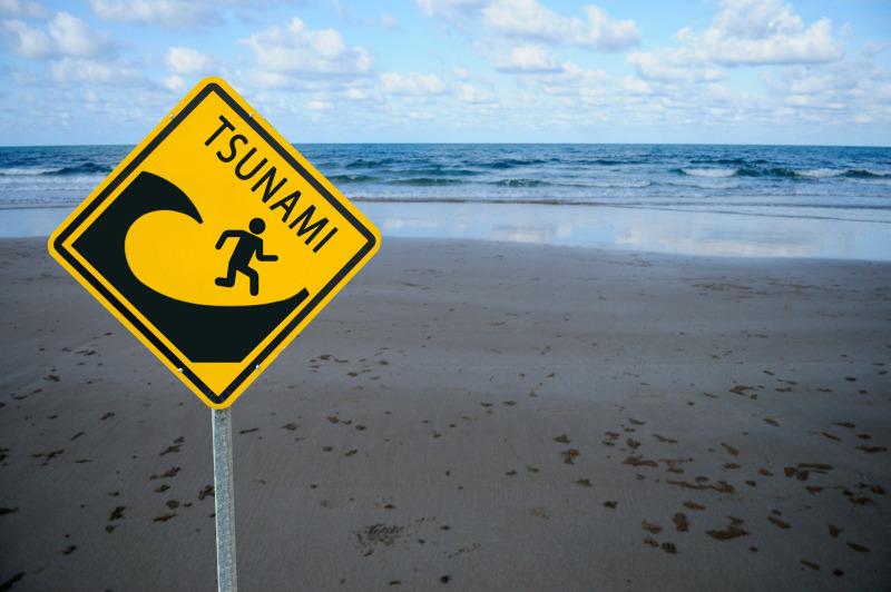 https: img.okezone.com content 2020 09 26 525 2284141 bpbd-sukabumi-waspadai-potensi-tsunami-di-pantai-selatan-TXcg2yOExT.jpg