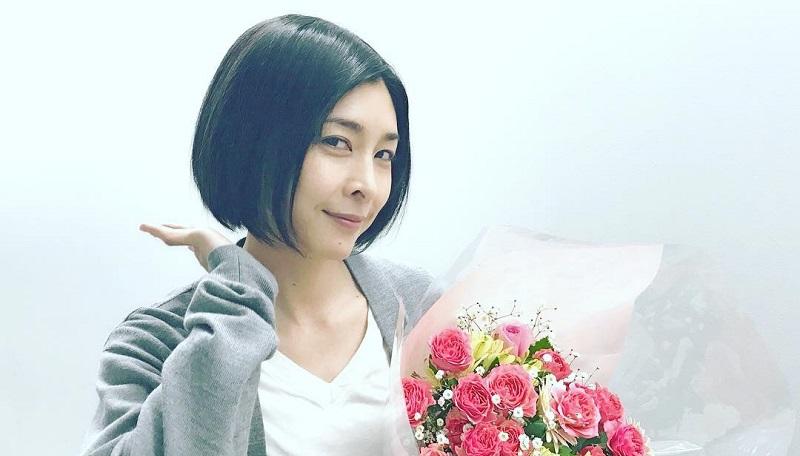 https: img.okezone.com content 2020 09 27 33 2284501 diduga-bunuh-diri-aktris-takeuchi-yuko-meninggal-dunia-Dzq1HiunHg.jpg