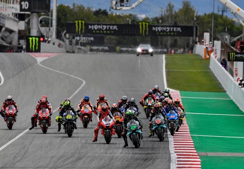 https: img.okezone.com content 2020 09 28 38 2284911 5-fakta-balapan-motogp-catalunya-2020-valentino-rossi-gagal-naik-podium-cd45AJIhhe.jpg