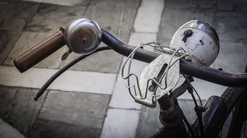 https: img.okezone.com content 2020 09 28 406 2284693 mau-gowes-di-solo-ini-3-rute-bersepeda-yang-asyik-DsQwal30T0.jpg