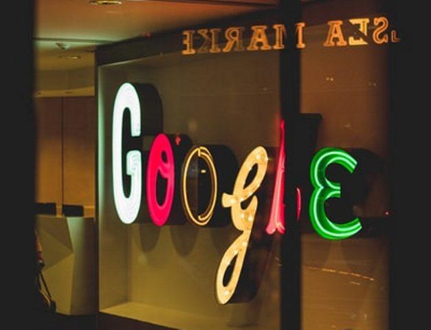 https: img.okezone.com content 2020 09 29 16 2285591 google-meet-akan-batasi-rapat-maksimal-60-menit-sJym5l04cL.jpg