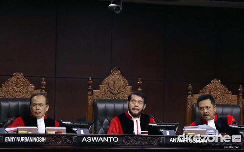 https: img.okezone.com content 2020 09 29 337 2285727 gugatan-ninmedia-ditolak-telak-mahkamah-konstitusi-mnc-group-hak-siar-dilindungi-negara-SmTNJL0QEV.jpg