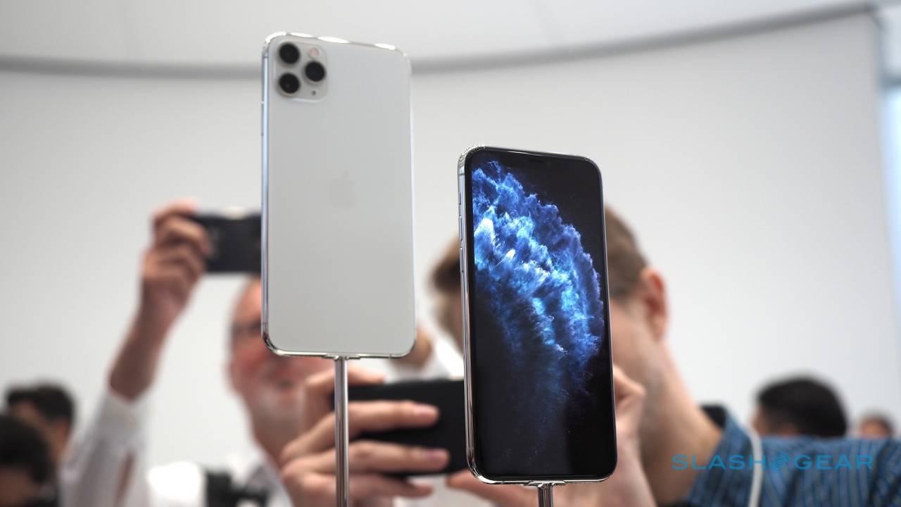 https: img.okezone.com content 2020 09 30 16 2286172 iphone-12-dikabarkan-dijual-tanpa-charger-dan-earpods-QgW9IcdIe6.jpg