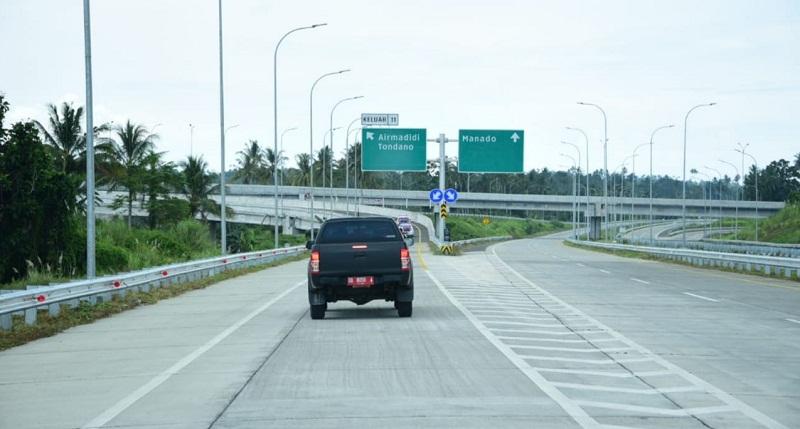 https: img.okezone.com content 2020 09 30 320 2286078 jalan-tol-pertama-di-sulawesi-utara-resmi-beroperasi-gratis-2-minggu-26SPEm60zn.jpg