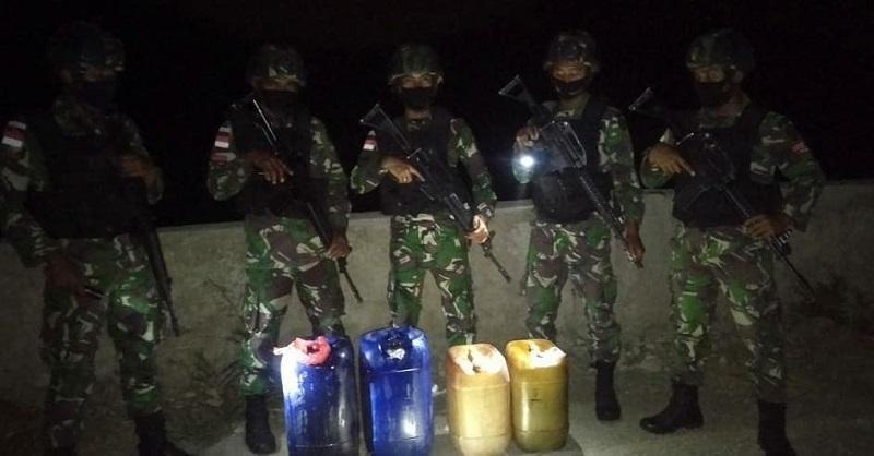 https: img.okezone.com content 2020 09 30 337 2286282 pasukan-elite-tni-gagalkan-penyelundupan-bbm-ilegal-di-perbatasan-timor-leste-toJiYZZVdf.jpg