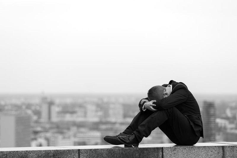 https: img.okezone.com content 2020 09 30 481 2286047 ini-penyebab-remaja-lebih-rentan-alami-depresi-otnRhIfDfS.jpg