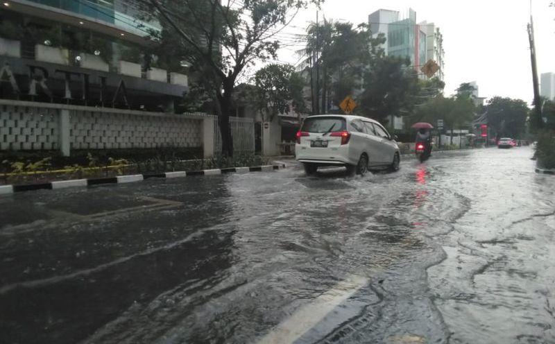 https: img.okezone.com content 2020 09 30 52 2286085 mobil-jarang-dicuci-di-musim-hujan-bisa-jamuran-dan-karatan-uTiYZu46kh.jpg