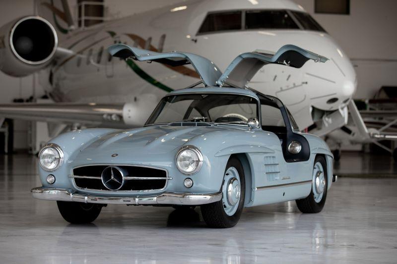 https: img.okezone.com content 2020 09 30 52 2286142 mobil-mercedes-benz-tahun-1957-laku-rp20-miliar-GLLLDNij2V.jpg