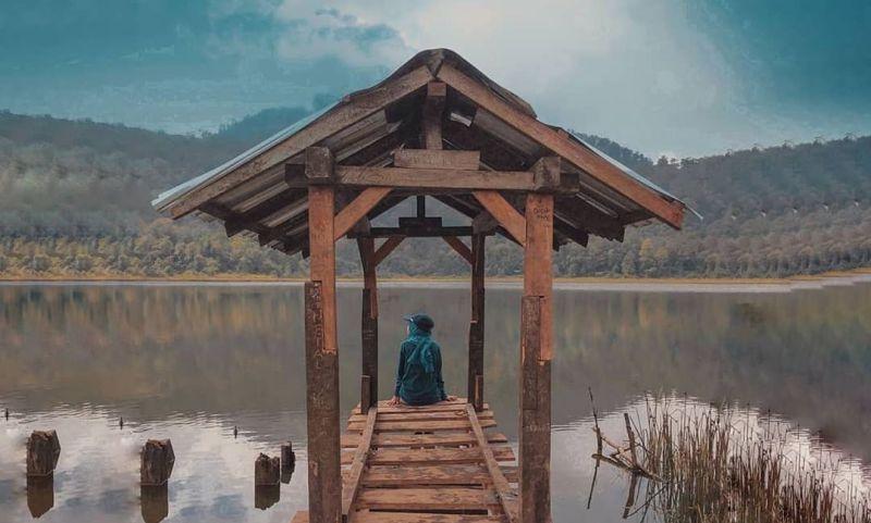 https: img.okezone.com content 2020 09 30 549 2286257 menengok-danau-taman-hidup-di-gunung-argapura-penuh-misteri-cPA7PeGWgx.jpg