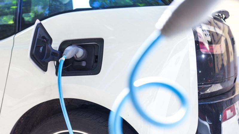 https: img.okezone.com content 2020 10 01 52 2286644 beli-mobil-listrik-secara-kredit-kini-tanpa-dp-BGtgu3DrfQ.jpg